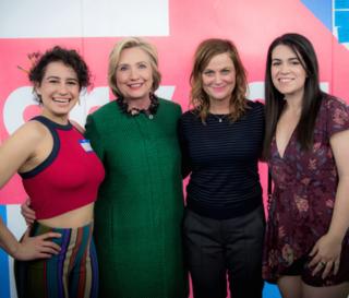 Hillary-clinton-amy-poehler